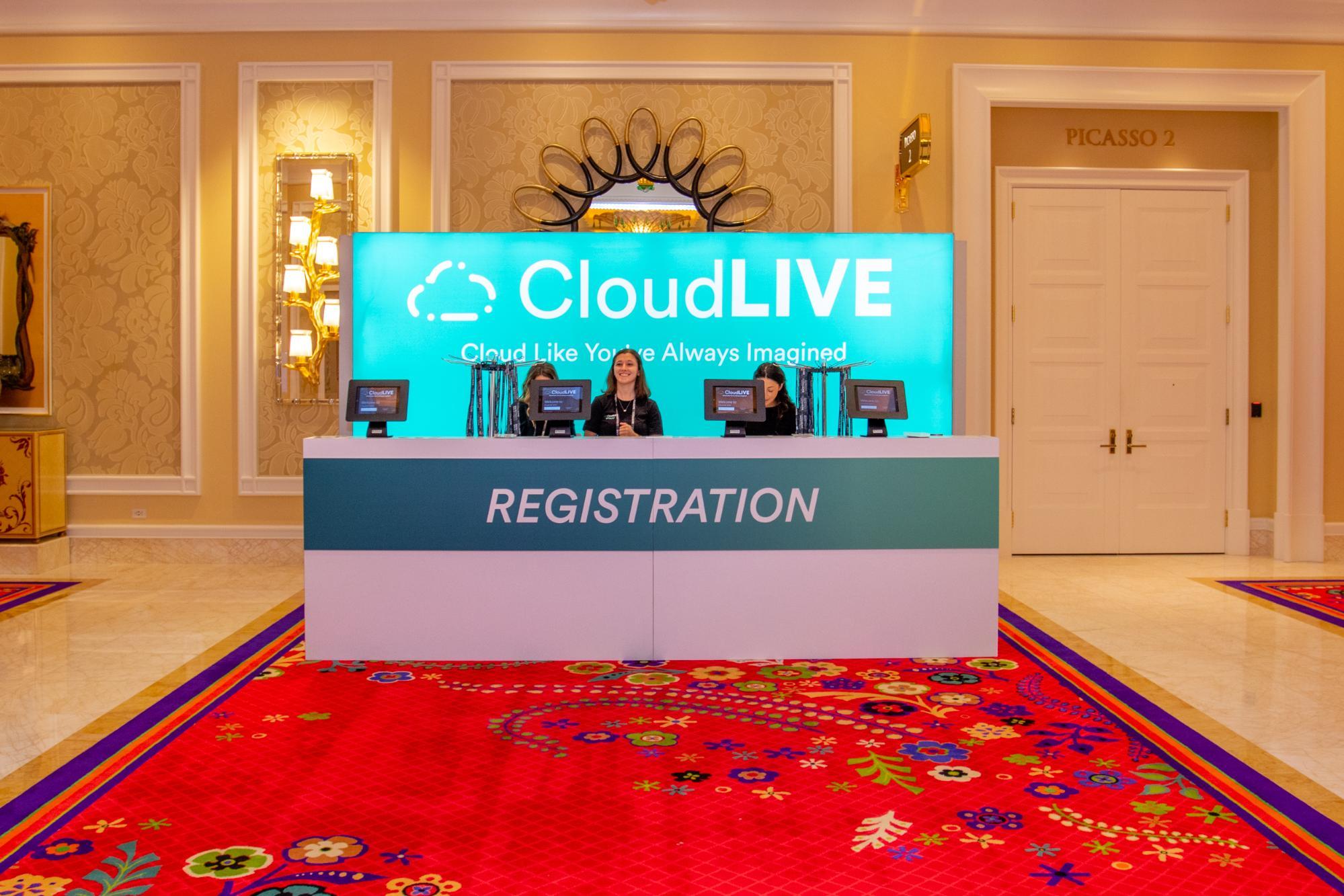 CloudLIVE registration desk