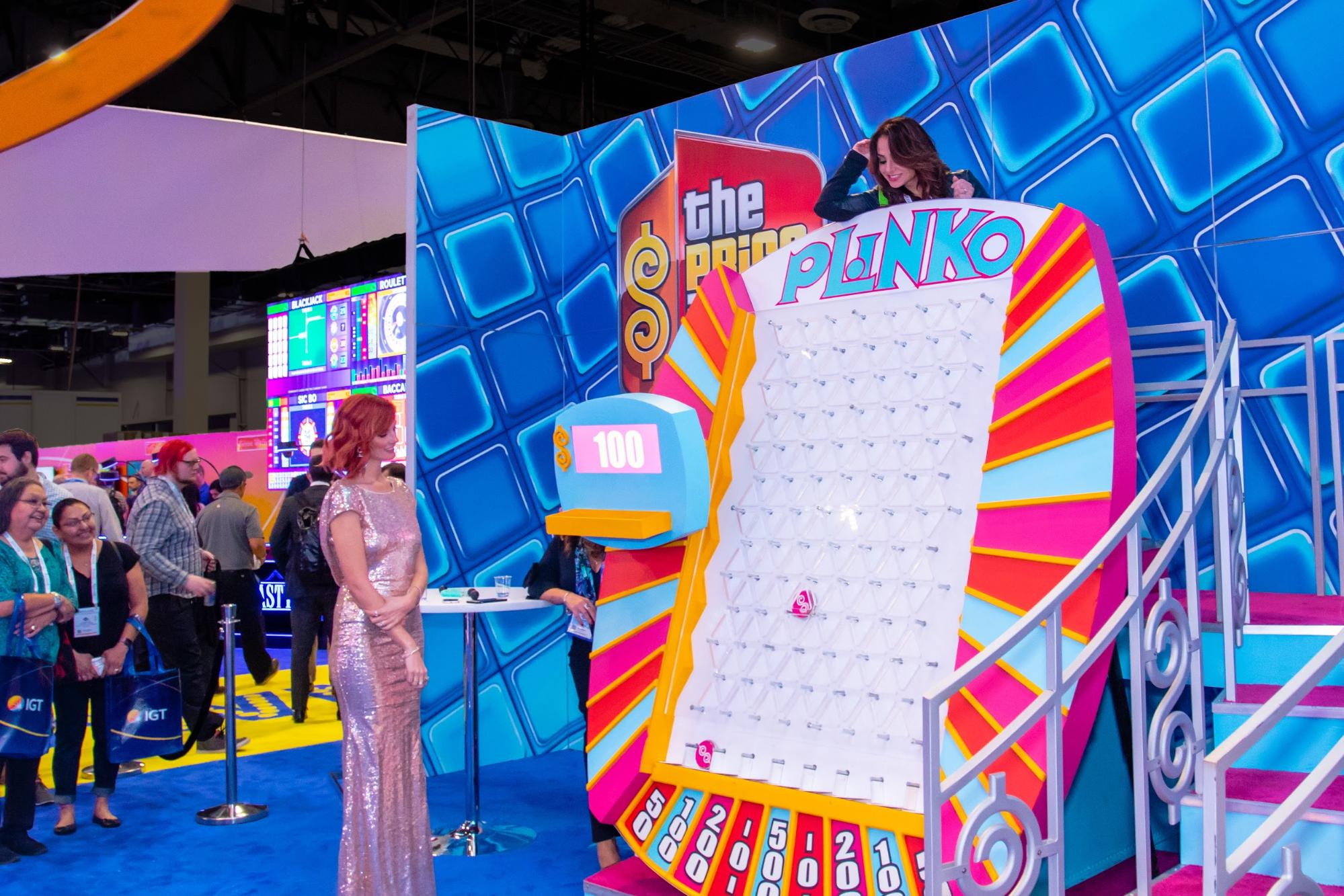 """Trying out """"The Price is Right"""" gaming machine"""