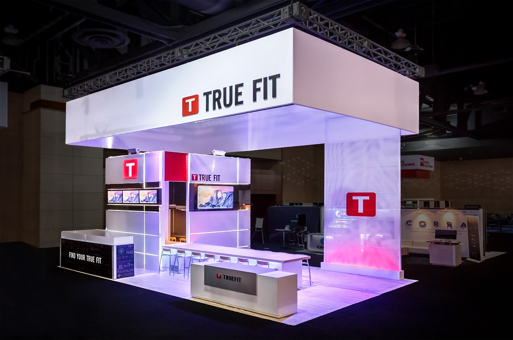 True Fit 20x30 Branded Environment at 2015 Shop.Org